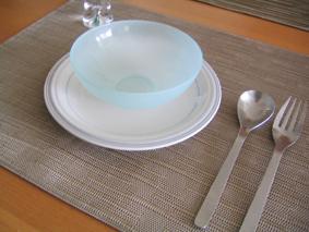 PVC素材のテーブルマット(ランチョンマット)はchilewichチルウィッチよりKEYUCAケユカが安くてイイ!