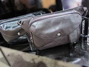 amadana(アマダナ)の充電できるバッグKENJI AMADANA BAGTTERYのボディバッグ(Sling Bag)がカッコイイ!
