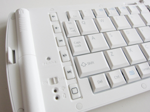 エレコムTK-FBP028EWHキーボード