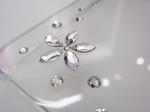 白iPhone4に合わせたいスワロフスキー付ケースBling My Thing Flower Crystal