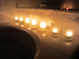 お風呂+キャンドルに音楽を追加して楽しんでいます。